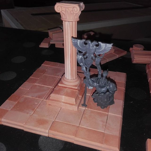 Adeptus custodes diorama. #warhammer30k #warhammer40k #warhammer #wh #wh40k #basing #terrain #tabletop #tabletopgames #wargames #miniature #paintingwarhammer #adeptuscustodes #custodes #plaster #yeso #terra #horusheresy #gw #gamesworkshop #talonsofemperor