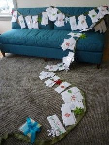 Christmas Garland for your missionary - Write them 25 letters (or quotes) could be from your family - or include friends. They hang it on their apartment wall - and then each day they open one letter. Would be a great idea for a ward to do for their missionaries that are out from their ward. Missionaries LOVE letters. #ldsmissionarychristmas