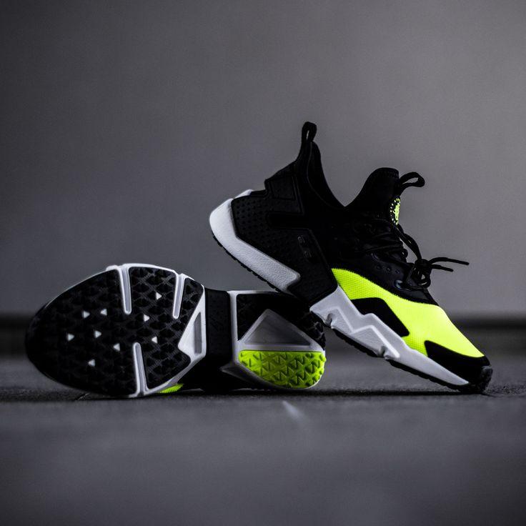Nike has put a lil' twist on the Huarache and created the Nike Air Huarache