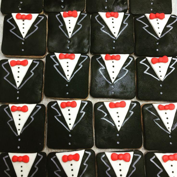 Groom cookies!