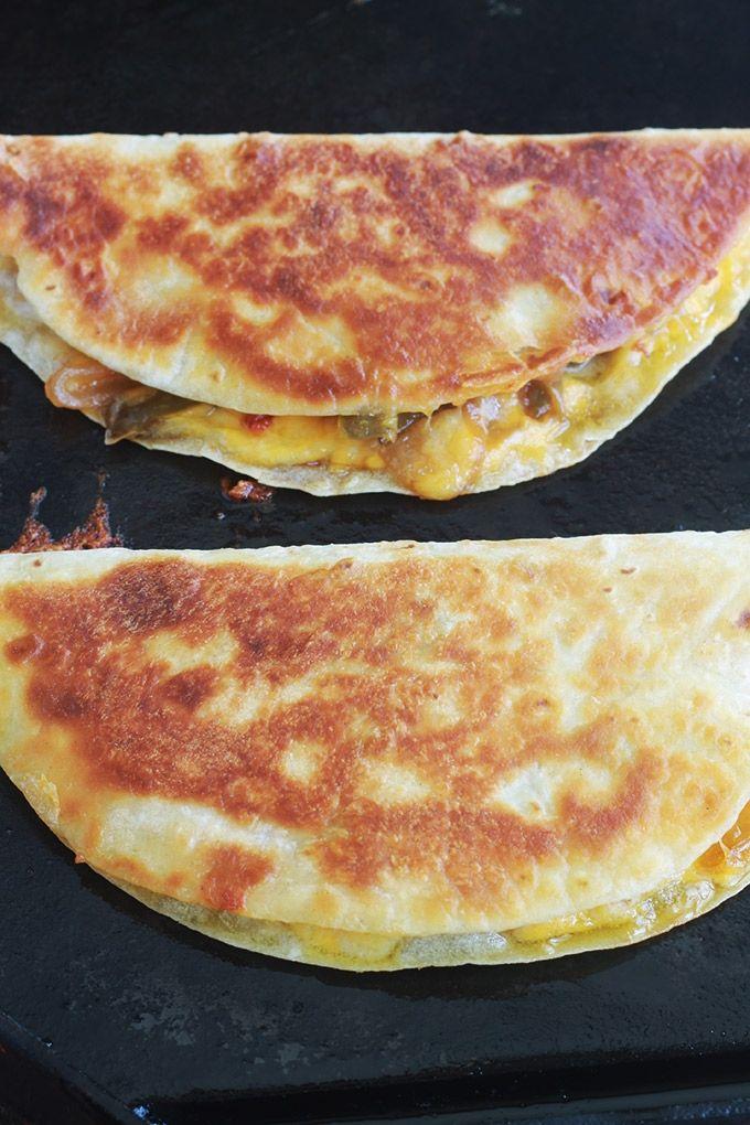 Apprenez comment faire les quesadillas mexicaines. C'est facile, rapide et vou…