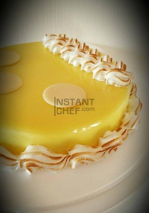 Découvrez cette recette d'entremet au citron et à la meringue, un gâteau fondant, croquant, gourmand. Plus de recettes sur le blog d'Instant Chef