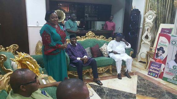 EkpoEsito.Com : UNIPORT Alumni Pay Jonathan Visit In Abuja - Photo...