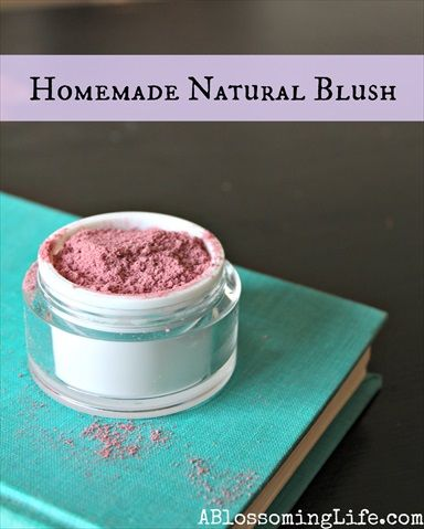 Homemade All-Natural Blush (Recipe) 2 parts beet root powder to 1 part cornstarch. If you want to add more depth or make it darker add a little cocoa powder!  Directions: Start with 1 tbs arrowroot powder or corn starch and add in 2 tbs beet root powder. Mix in a small bowl making sure to break apart any clumps. Adjust color to your liking! Done!  To use: dip your blush brush in the powder, tapping off any extra. Apply to your cheek bones!