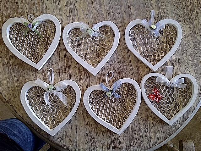 Medium mesh hearts