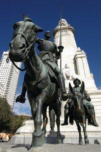 Plaza de España, monument dédié à Cervantes (statue de Don Quichotte et Sancho Panza).