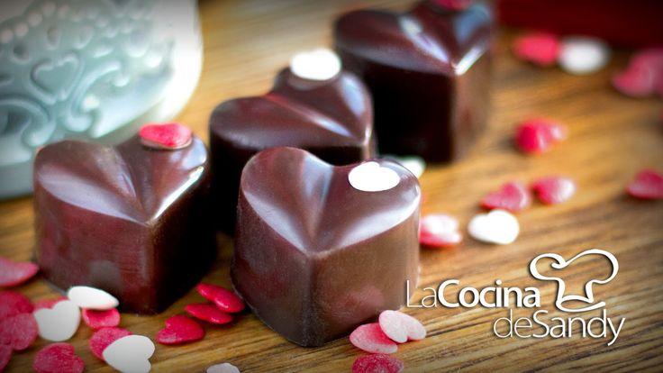 Bombones de chocolate licor y cerezas para dia de San Valentin
