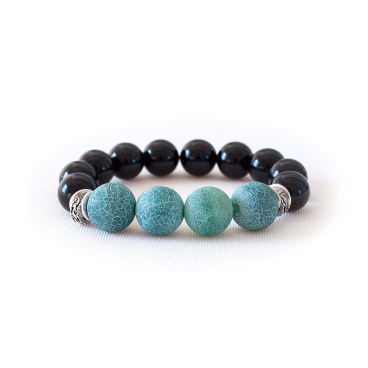 BLACK MAT TURQUIOSE BEAD BRACELET Onyx and Agate beads. Set out to the world with a combination of protection and balance on your hand.