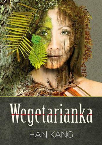 Wegetarianka to polifoniczna opowieść, która zaintryguje nie tylko zwolenników ekofeminizmu, lecz także osoby lubiące zgłębiać topografię ludzkiej psyche. Han Kang z chirurgiczną precyzją przetwarza ż...