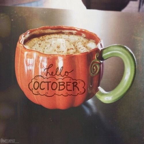 Hello, October! It's finally the month for Pumpkin Spice Lattes!!