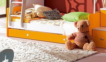Кровать (I-й ярус) с выдвижным ящиком Детская кровать (I-й ярус) с 2-мя выдвижными ящиками для хранения постельных принадлежностей. Матрас в комплект не включен. Рекомендуется для дополнительной комплектации кровати 441-38A008-1