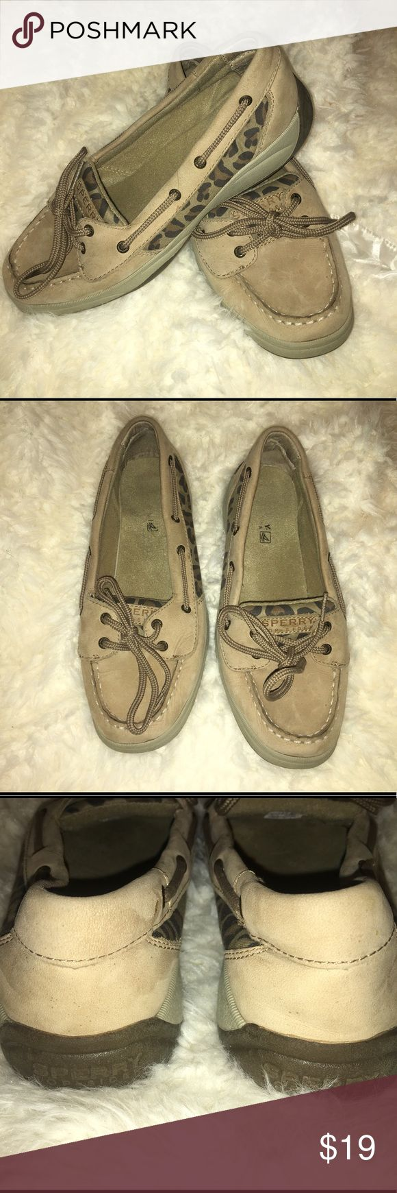Leopard Sperry's Size 5 Good condition leopard Sperry Top Siders Size 5. Worm several times, normal wear and tear but still in good condition. Sperry Shoes Flats & Loafers