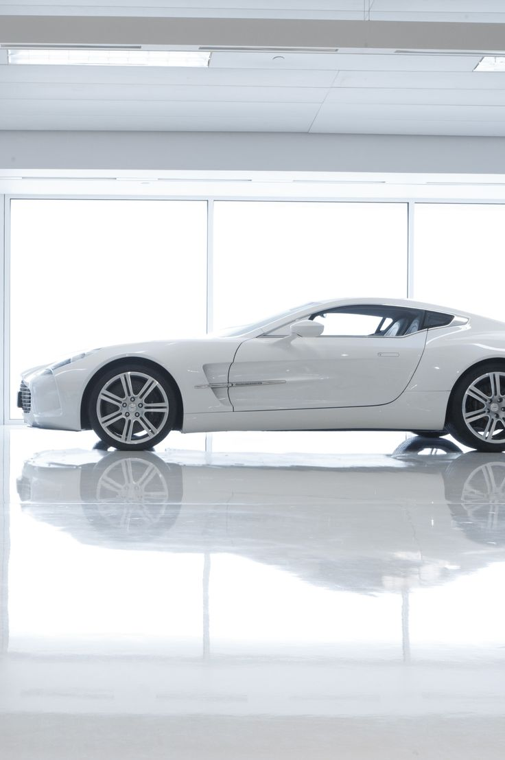 Aston Martin One-77...You little beauty!! I love Cool cars http://hectorbustillos.weebly.com/
