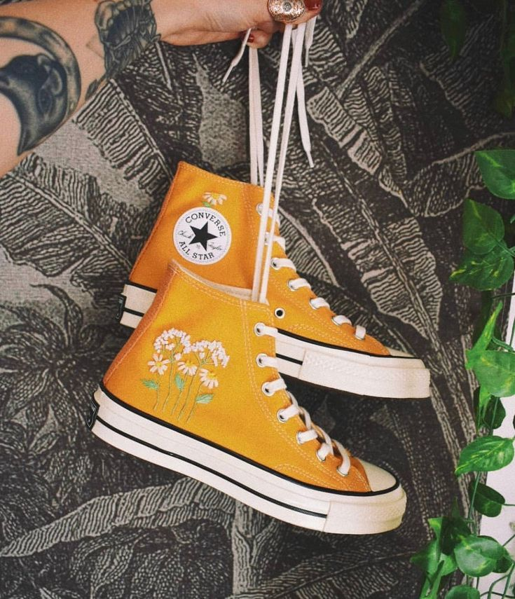 Aesthetic embroidery converse