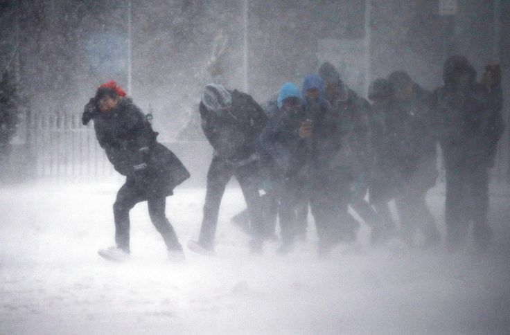 A powerful nor'easter pounded the mid-Atlantic and the Northeast early Tuesday, prompting flight cancellations, school closures and warnings from city and state officials to stay off the roads. Read more: http://www.norwichbulletin.com/news/20170314/northeast-gets-clobbered-by-sloppy-late-season-storm #CT #Connecticut #Ctsnow #Snow #Blizzard #Weather