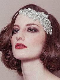 Свадебное украшения для волос в форме листочков