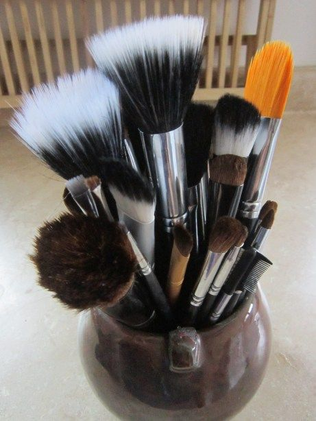 This works REALLY WELL!  I cleaned a few brushes that I had cleaned last week with brush shampoo and was surprised at how much makeup came out.  Equal part dish soap and olive oil, swish it around, rinse in warm water.  Beautiful.