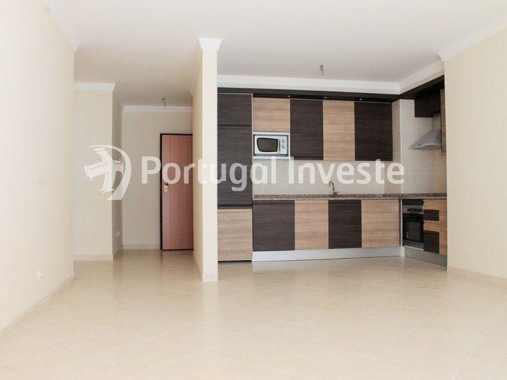 Vende-se T2 centro de Portimão, condomínio com piscina - Portugal Investe