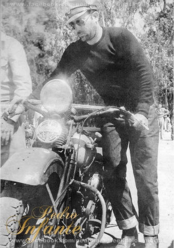 Pedro infante - motociclista