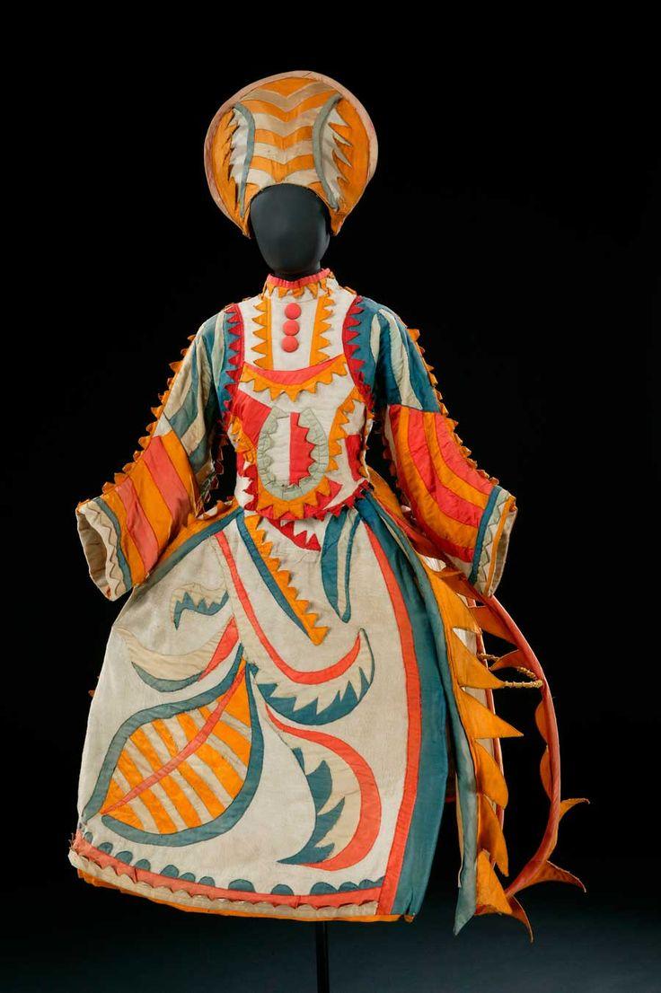 Traje-para-la-esposa-del-bufón-de-Chout,-después-de-Mikhail-Larionov,-traje,-1921