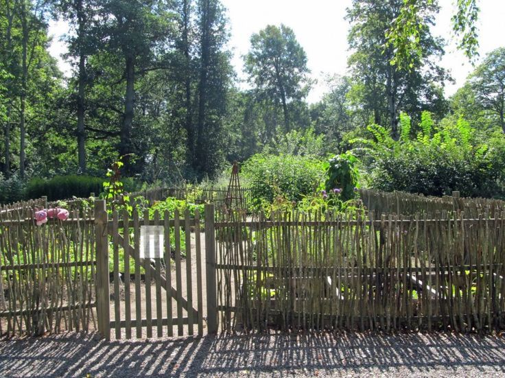Beautiful Vegetable Garden Fence: Sweet Beautiful Vegetable Garden Fence
