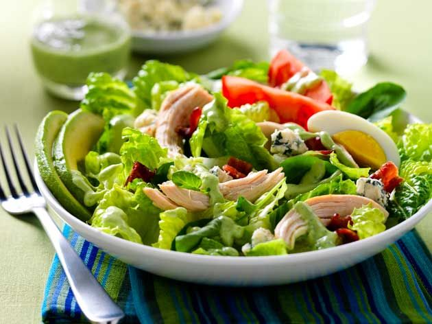 Did you know Silk® has a ton of recipes, like this Vinaigrette Green Goddess?