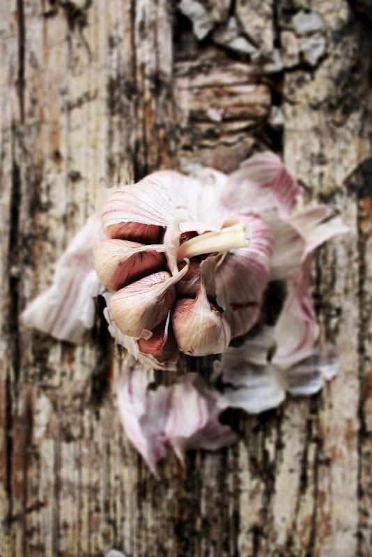 garlic...from Prator e Travessas...xoxoxoo