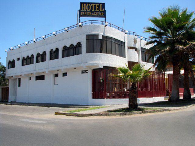 Hotel Pan de Azúcar  #Iquique  #Chile Las cómodas habitaciones del hotel cuentan con baño privado, Internet Banda Ancha, wi-fi, TV cable, frigo bar, agua caliente, teléfono y caja de seguridad...