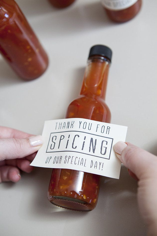 These hot sauce bottles are the perfect wedding favors! | Something Turquoise Photography