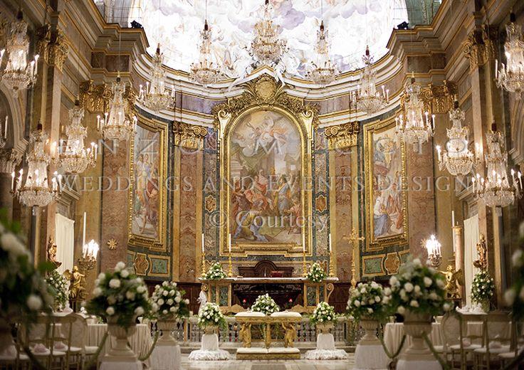 Summer Wedding in Rome #wedding #rome #weddingplanner #enzomiccio #flowerdesign #candle #decoration #crystal #chandelier