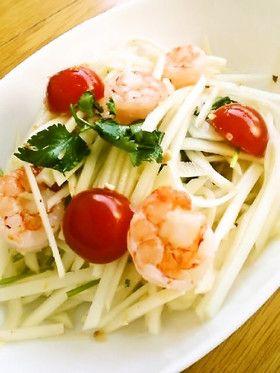 簡単タイ料理♪青パパイヤサラダ・ソムタム からいのなしでも大丈夫だった。 ものたりなければ後入れで。