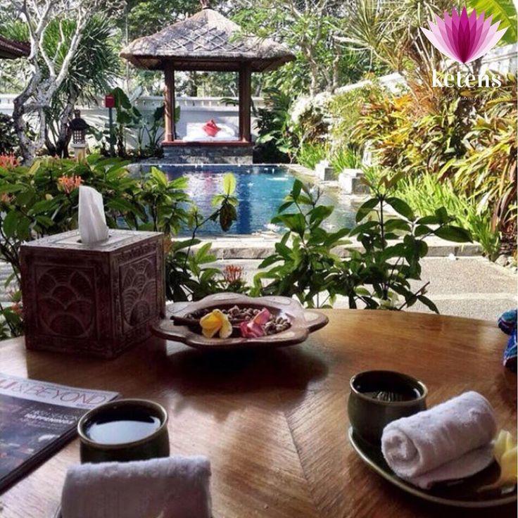 ��Bali, Endonezya Sıkıcı bir balayı istemiyorsanız ama uzaklara gidelim diyorsanız ilk seçeneklerden biri Bali. Jimbaran ve Nusa Dua gibi okyanus kıyısı bölgelerde dünyanın önde gelen otel zincirleri mevcut. Eğer Intercontinental Jimbaran'da kalırsanız bu özel villada saatlerce masaj yaptırmadan dönmeyin ;) //// If you don't want to have a boring honeymoon and fly overseas, Bali is one of the first options. Nusa Dua and Jimbaran, areas near the ocean, offer you top-notch hotels. If you stay…