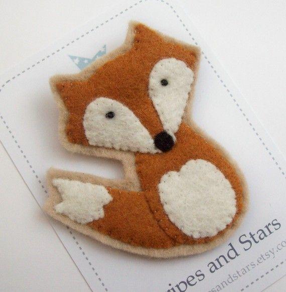 Cute Felt Fox Brooch van StripesandStars op Etsy