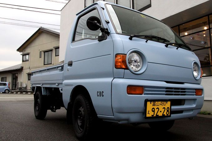 Classic Kei Trucks–Are They Worth Buying? Yes. Look at this blue Kei truck. Stylish and still running after 25 years.