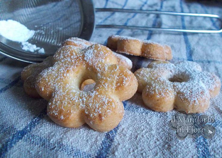 I Canestrelli  sono friabili e deliziosi ed hanno una delicatezza incredibile, sia come sapore, che come aspetto. -->http://blog.giallozafferano.it/ilmandorloinfioreblog/?p=5943