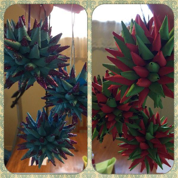 Christmas paper origami balls
