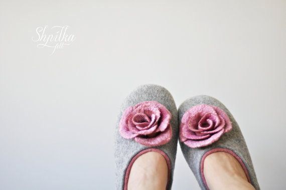Felted slippers for women  Gray & Soft Pink  Made by ShpilkaFelt, $68.00