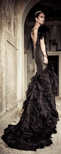 Renaissance Couture dramatic and very special for your lovely event!