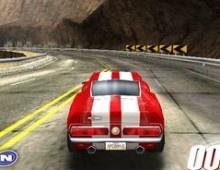 Praparate para competir en esta carrera de carros 3D en una carretera entre montañas. Puedes usar el nitro para aumentar la velocidad. Gana la carrera.