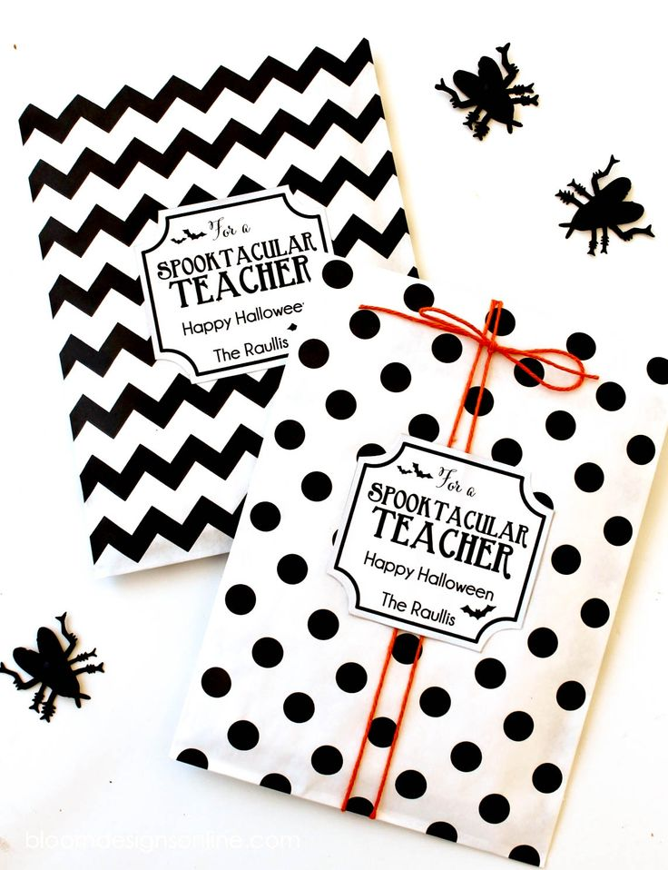 Sppoktacular Teacher Gift idea - free prints on { lilluna.com }