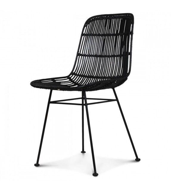 Retour au design des années 50 avec cette chaise en rotin noire. Idéal pour les amoureux des matières naturelles Existe aussi en couleur miel et naturel