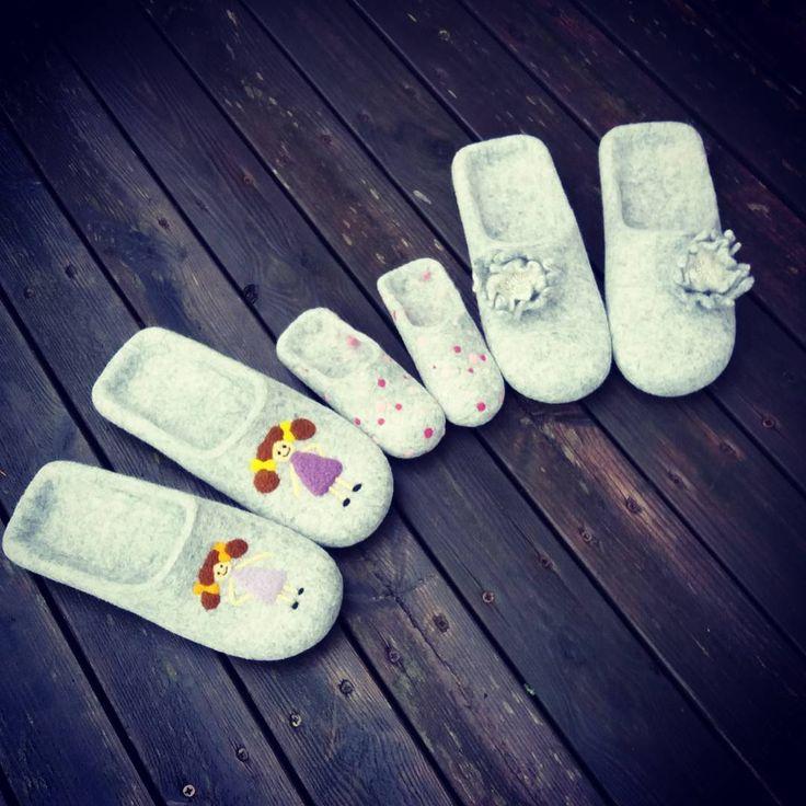 """wet felted wool slippers for family www.pamana.lv """"Ğimenes komplekts - 2meitiņu tētim, ziedošai māmiņai un cukurzirnītei (bebucei līdz čībām vēl…"""""""
