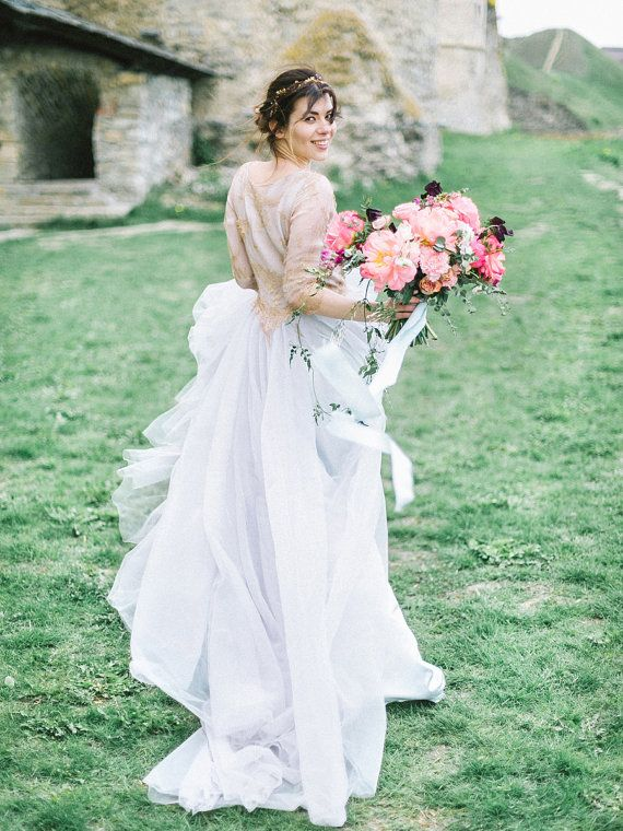 Sample sale// Tulle wedding gown gold wedding by MywonyBridal