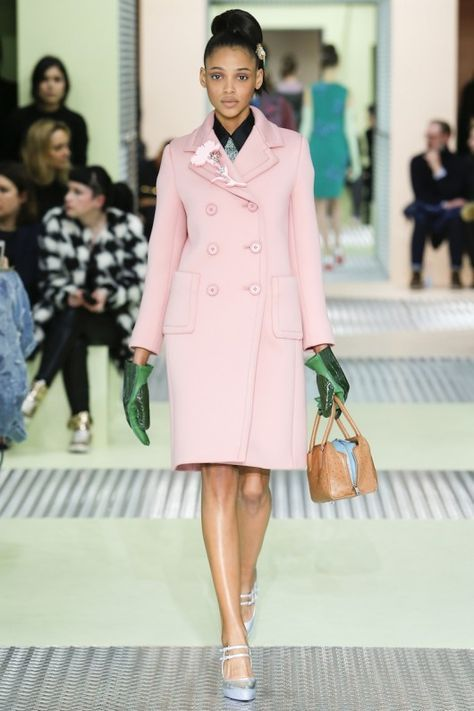 Prada Autumn/Winter 2015-16 - Shows - Fashion Pink coat, green gloves, nude bag