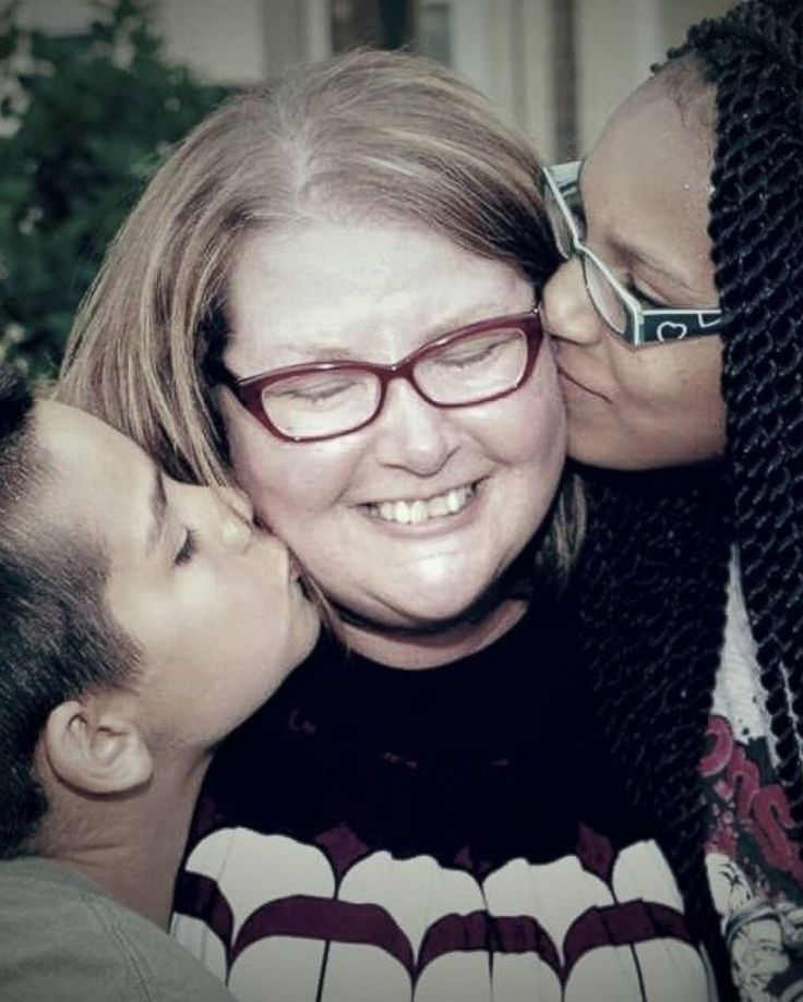 Photo: Amy Dean Gerving Brandon, Florida, is the adoption of her second child, the United States lakes undated Photo with her children.