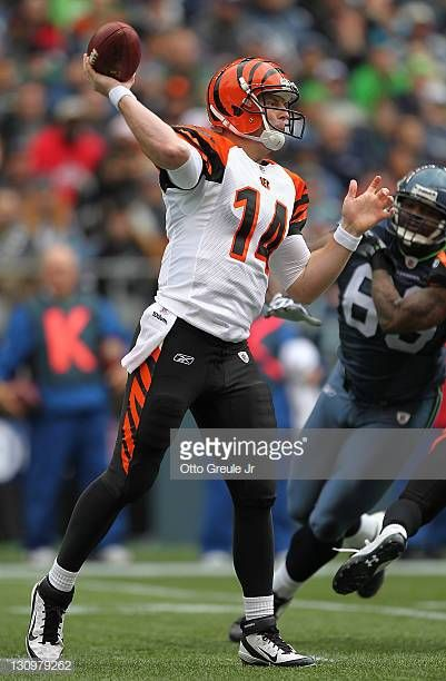 19e2f099 Quarterback Andy Dalton of the Cincinnati Bengals passes against the ...