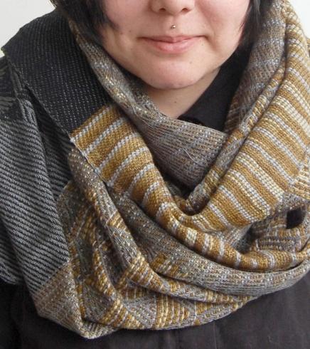 erika lynne hanson | irregular hex (gold) scarf (via http://pinterest.com/pin/273030796129175072/)