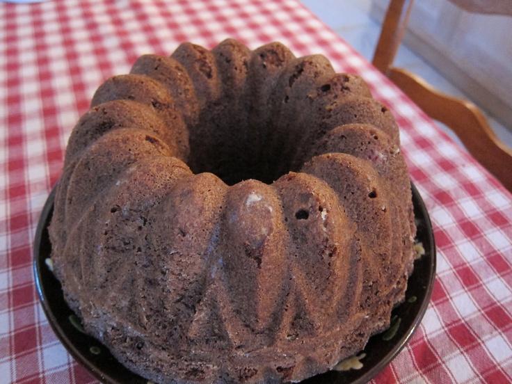 Mausteinen puolukkakakku - cranberry cake.