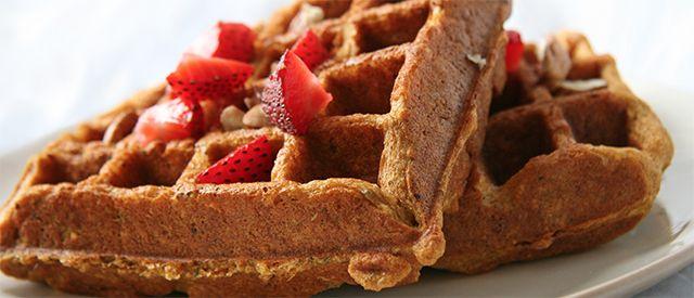 Den store vaffeldagen: Sunne proteinvafler med kesam og bær - Fitnessbloggen