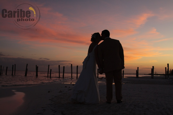 Sunset at El Dorado Maroma, wedding in Cancun, Mexico - captured by wedding photogrpahers caribephoto.com